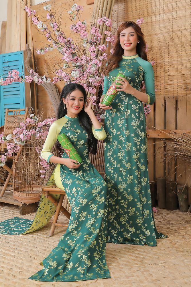 e43df136b7b476d9f0e802786e6f5687 Top 20 Miss HUTECH 2021 diện Áo dài Việt Hùng, khoe nhan sắc lộng lẫy
