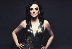 Giọng ca soprano bị sa thải vì gièm pha người đồng tính
