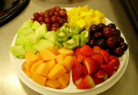 'Làm bạn' với rau quả ngày Tết