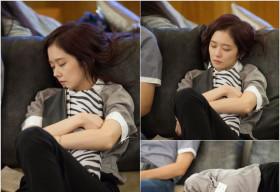 Jang Na Ra nằm ngủ ngon lành tại trường quay