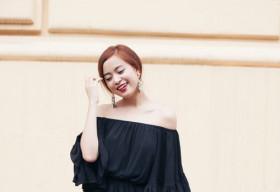 Hoàng Thùy Linh khoe vẻ gợi cảm với váy xuyên thấu