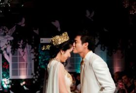 """Quý Bình bạo gan hôn Lê Phương thể hiện """"Tình yêu vĩnh cửu"""""""