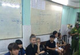 Đánh nhau ở phố Nguyễn Huệ vì bị chê là… mặt vuông