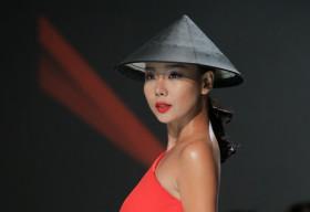 Lại Thanh Hương ấn tượng trên sàn diễn Xuân Hè 2016
