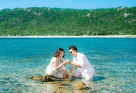 Vân Trang tiết lộ bộ ảnh cưới lãng mạn
