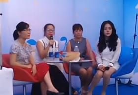 """Mẹ """"Bà Tưng"""" chia sẻ về thời kỳ khủng hoảng trước scandal của con gái"""