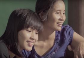 Clip quà tặng mẹ của nữ sinh viên Luật gây sốt cộng đồng mạng