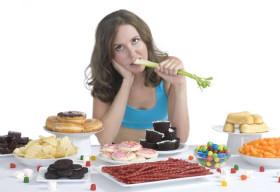 Bí quyết chống lại cảm giác thèm ăn khi giảm cân
