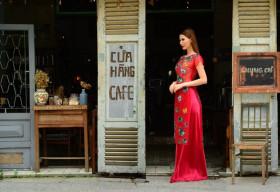 Á hậu Thanh Hoài đằm thắm hóa 'Cô Ba Sài Gòn'