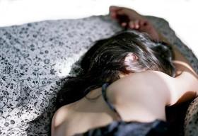 Ép vợ xem phim sex để trả thù tội ngoại tình