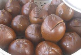 Bài thuốc trị gout từ đậu đen nước dừa lan truyền mạng xã hội