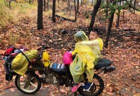 'Thánh phượt 4 tuổi' khoe khoảnh khắc đáng yêu trên cung đường Tà Năng