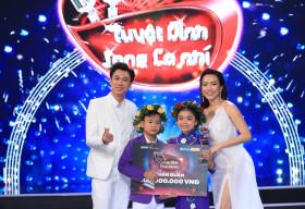 Bị gắn mác 'ca sĩ hội chợ', Hồ Việt Trung vẫn đưa học trò đăng quang quán quân 'Tuyệt đỉnh song ca nhí'