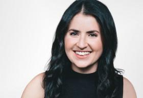 Chân dung nữ sáng lập 26 tuổi của dự án tiền ảo Facebook