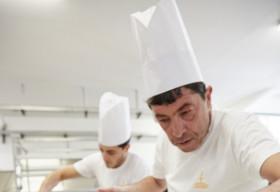 Chiếc bánh Panettone khoác áo mới với sự hợp tác giữa nhà mốt Dolce&Gabbana và nghệ nhân Fiasconaro
