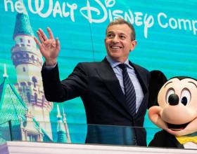 Chủ tịch Disney Bob Iger kiếm và tiêu tiền xa xỉ như thế nào?