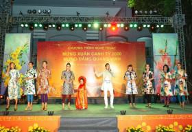 Hàng ngàn người dân quận 12 thưởng thức BST Áo dài của NTK Việt Hùng