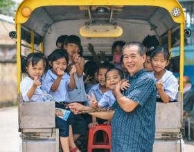 Dù 1 vợ 2 con, cựu chiến binh vẫn dồn hết tài sản nuôi 103 trẻ mồ côi