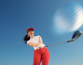Á hoàng Golf Queen Hải Anh khoe vẻ đẹp tươi trẻ trong trang phục Golf