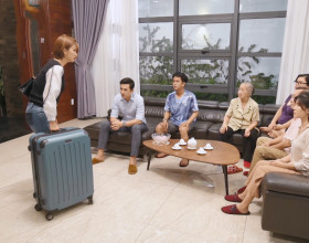 """Kim Tuyến dọn khỏi nhà chồng sau màn """"trả treo"""" khốc liệt với NSND Kim Xuân"""