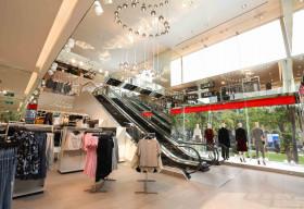 H&M mở lại tất cả cửa hàng trên toàn quốc từ ngày 24/4