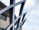 Hoa hậu Lương Thuỳ Linh diện váy cưới, tự tin thả dáng trên sân thượng