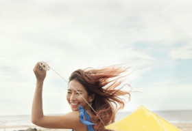 Du lịch mùa hè với sắc màu xanh 'hot trend'