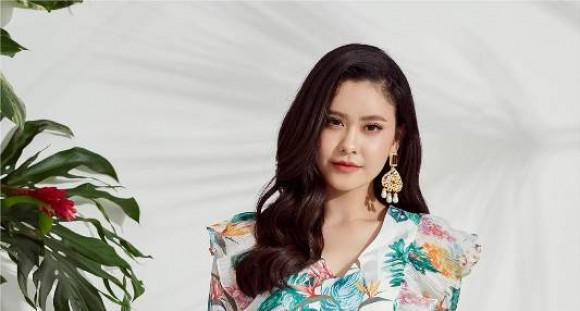Trương Quỳnh Anh hóa quý cô thanh lịch, quyến rũ ngày hè
