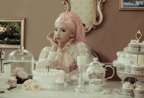 Mẫu nhí Bảo Hà đẹp lộng lẫy đón chào tuổi mới trong bộ ảnh concept sinh nhật hoàng gia