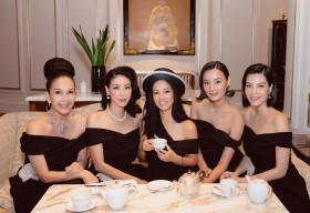 Diva Hồng Nhung hội ngộ bạn bè sau thời gian dài xa cách vì dịch