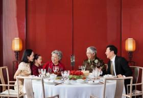 Khám phá thế giới ẩm thực đầy sắc màu mừng ngày Phụ nữ Việt Nam tại Park Hyatt Saigon