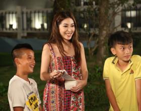 Khổng Tú Quỳnh tiết lộ thời cấp 3 học hành sa sút,mẹ cấm cản làm ca sĩ