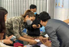 Hoa hậu Hoàn vũ Việt Nam san sẻ khó khăn với bà con vùng bão lũ