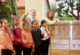 VinaCapital Foundation và Quỹ Học bổng Vừ A Dính trao 225 suất học bổng cho trẻ em huyện Cư M'gar, Đắk Lắk