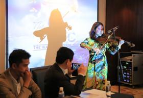 Nghệ sĩ Việt làm show Broadway 'Thế Giới Nước' gây quỹ ủng hộ miền Trung