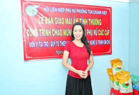 NSƯT Trịnh Kim Chi trao nhà tình thương cho hộ nghèo kịp đón năm 2021