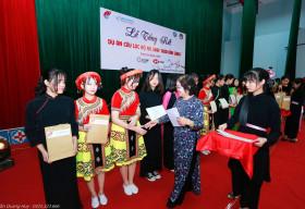 VinaCapital Foundation và Quỹ học bổng Vừ A Dính công bố kết quả dự án 'Hoa bản làng'
