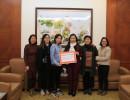 The Body Shop Việt Nam trao tặng hơn 30 triệu đồng giúp đỡ phụ nữ bị bạo lực gia đình