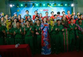 Mãn nhãn BST Áo dài Việt Hùng trong đêm Nghệ thuật Mùa xuân biển đảo