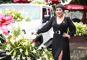 Ca sĩ Doanh nhân Nguyễn Thu Trang sở hữu xe khủng của Mỹ – Jeep Wrangler lần đầu tiên có mặt tại Hà Nội