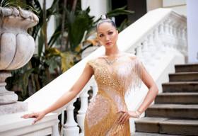 H'Hen Niê khiến khán giả suýt xoa với tay nghề trang điểm ngày càng chuyên nghiệp
