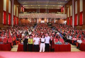 Hàng ngàn bạn trẻ hào hứng với tọa đàm 'Khởi nghề hay Khởi nghiệp?'