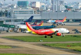 'Cháy vé' máy bay dịp lễ 30/4 và 1/5 , khách đổ xô đến các điểm du lịch trong nước