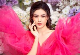 Trương Quỳnh Anh khoe trọn lưng trần, vẻ sexy, mong manh trong bộ ảnh mới