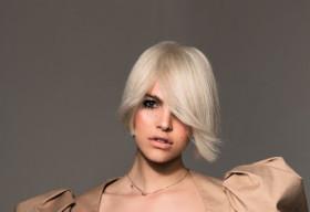 Rụng tóc nghiêm trọng mùa giãn cách, liệu bạn đã biết nguyên nhân và cách khắc phục?