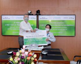 Khu Nghỉ dưỡng phức hợp Hoiana tài trợ 2 máy thở và đồ bảo hộ cá nhân cho Quảng Nam