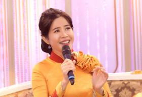 """MC Quỳnh Hoa khiến ông xã tá hỏa khuyên """"đừng phá hỏng nhạc Trịnh"""""""