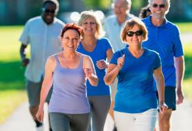 Đi bộ 7.000 bước một ngày, nguy cơ tử vong giảm 70%