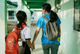 'Em không lẻ loi': Các tổ chức phi chính phủ tại Việt Nam phối hợp hỗ trợ trẻ em mồ côi vì COVID-19