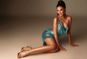 Á hậu Kim Duyên tung bộ ảnh sexy mừng tuổi 26 trước thềm Miss Universe 2021